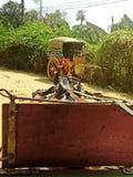 Mening van door paarden getrokken vervoer naar dorp, Inwa Stock Afbeelding