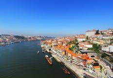 Mening van Douro-rivieroever van de Dom Luiz-brug, Porto, Portugal Stock Foto