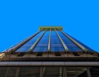 Mening van een bedrijfswolkenkrabber van Madrid van de binnenstad Royalty-vrije Stock Foto's