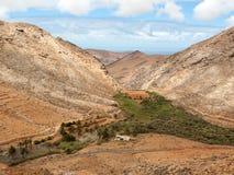 Mening van een landschap van Fuerteventura van Vooruitzicht Risco DE las Penas, stock foto's