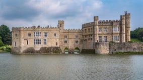 Mening van een middeleeuws kasteel in Engeland stock foto's