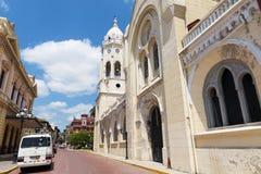 Mening van een straat en gebouwen in Casco Viejo, in de Stad van Panama, Panama Stock Fotografie
