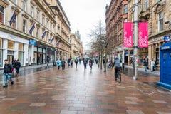 Mening van een VoetdieStraat met Winkels in Glasgow City Centre wordt gevoerd royalty-vrije stock fotografie