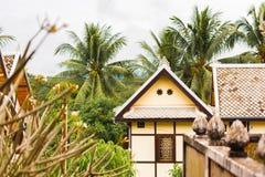 Mening van een woningbouw in Louangphabang Stock Afbeelding