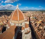 Mening van Florence na zonsondergang van Piazzale Michelangelo royalty-vrije stock afbeelding