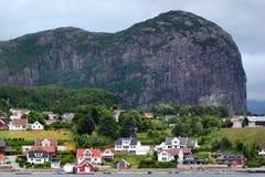 Mening van Forsand-dorp in Rogaland-provincie, Noorwegen Royalty-vrije Stock Afbeelding