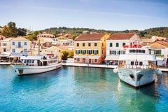 Mening van Gaios-stad, Paxos-eiland, Griekenland Stock Foto