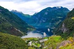 Mening van Geiranger fjord, Noorwegen Royalty-vrije Stock Afbeeldingen
