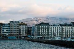 Mening van Genève, de waterkant van Zwitserland van Jetée des Eaux- Royalty-vrije Stock Fotografie