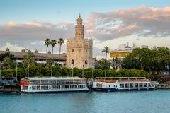 Mening van Gouden Toren, Torre del Oro, van Sevilla, Andalusia, Spai Royalty-vrije Stock Foto's