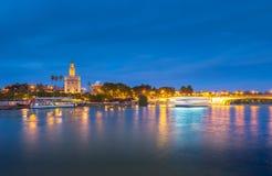 Mening van Gouden Toren, Torre del Oro, van Sevilla, Andalusia, Spai Royalty-vrije Stock Afbeeldingen