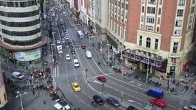 Mening van Grand via, een hoofdstraat in centraal Madrid, de hoofd en grootste stad in Spanje op 14 Ocotober 2016 in Madrid, Span stock video