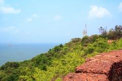 Mening van het Arabische Overzees van de muren van het fort Aguada, Goa, India Stock Foto's
