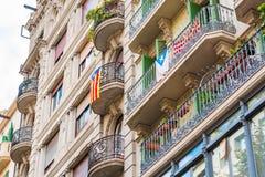 Mening van het balkon met de vlaggen Het referendum op onafhankelijkheid, Barcelona, Catalonië, Spanje Close-up royalty-vrije stock foto's