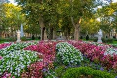 Mening van het beroemde Zrinjevac-park in het stadscentrum van Zagreb, Kroatië stock foto's