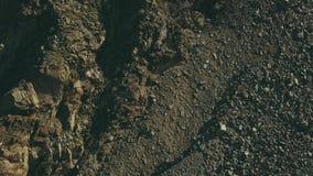 Mening van het bovengenoemde toeristengroep lopen op bergvallei Bergensleep stock footage
