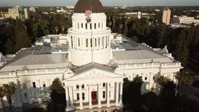 Mening van het Capitool van de Staat van Californië Sacramento de V.S. stock footage