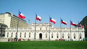 Mening van het Chileense presidentiële paleis, La Moneda in Santiago - Chili stock foto's