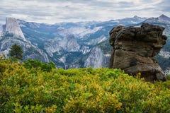 Mening van het de Gletsjerpunt van het Yosemite de Nationale Park Royalty-vrije Stock Foto's