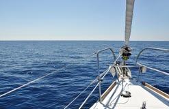 Mening van het dek van zeilboot Royalty-vrije Stock Afbeelding