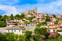 Mening van het dorp van Eus in Pyreneeën-Orientales, Languedoc-Roussillon Eus is vermeld als één van 100 mooiste dorpen i stock foto's