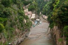 Mening van het dorp van woedeamalfi Kust Italië Royalty-vrije Stock Foto