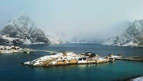 Mening van het eiland, Lofoten-Eilanden, Noorwegen stock footage