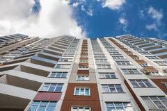 Mening van het flatgebouw van de bodem Stock Afbeeldingen
