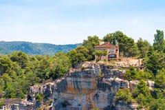Mening van het gebouw bovenop de berg in Siurana DE Prades, Tarragona, Catalunya, Spanje Exemplaarruimte voor tekst Royalty-vrije Stock Afbeelding