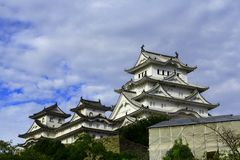 Mening van het Kasteel van Himeji, Japan Unesco-werelderfenis en Nationale schat royalty-vrije stock afbeelding