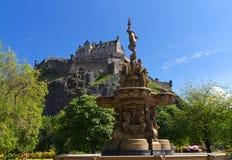 Mening van het Kasteel van Edinburgh stock afbeelding