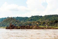 Mening van het landschap van de rivier Nam Khan, Luang Prabang, Laos Exemplaarruimte voor tekst royalty-vrije stock foto