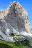 Mening van het onderstel van Sassolungo, Italiaans Dolomiet royalty-vrije stock fotografie