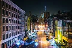 Mening van het Oosten Broadway bij nacht, in de Lagere Kant van het Oosten, in Manha Royalty-vrije Stock Afbeeldingen