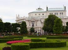 Mening van het Oostenrijkse Nationale Theater van Burgtheater in Wenen Stock Fotografie