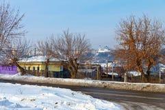 Mening van het oude centrum van stad kamensk-Uralsky Rusland Stock Afbeeldingen