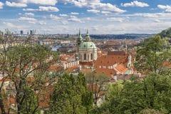 Mening van het oude koninklijke paleis in Praag Stock Foto's