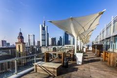 Mening van het panoramaplatform aan de horizon in Frankfurt Stock Foto's