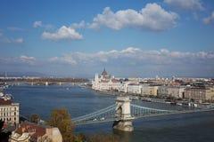 Mening van het Parlement en de Donau in Boedapest Royalty-vrije Stock Afbeeldingen