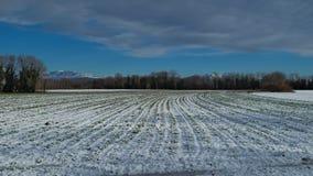 Mening van het platteland met een beetje van sneeuw Stock Foto