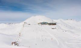 Mening van het ski?en toevlucht in Alpen Gebied Carosello Livigno Stock Afbeelding