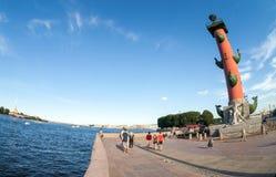 Mening van het Spit van Vasilyevsky Island en Peter en Paul Fo Royalty-vrije Stock Afbeelding