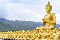 Mening van het standbeeld van Boedha royalty-vrije stock afbeelding