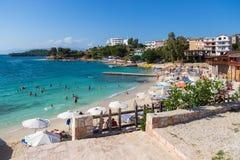 Mening van het strand in Ksamil, Albanië royalty-vrije stock foto's