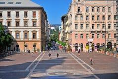 Mening van het vierkant in het centrum van de stad van Boedapest Royalty-vrije Stock Foto