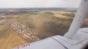 Mening van het vliegtuigvenster stock footage