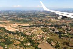 Mening van het vliegtuigvenster, wolkenvleugel, afmetingen royalty-vrije stock afbeeldingen