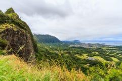 Mening van het vooruitzicht van Nuuanu Pali stock foto's