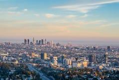 Mening van het zonsondergang de gouden uur van Los Angeles de stad in Stock Foto's
