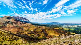 Mening van het zuideneind die van de Bainskloof-Pas, de schade tonen door bosbranden in de bergen van de Westelijke Kaap stock fotografie